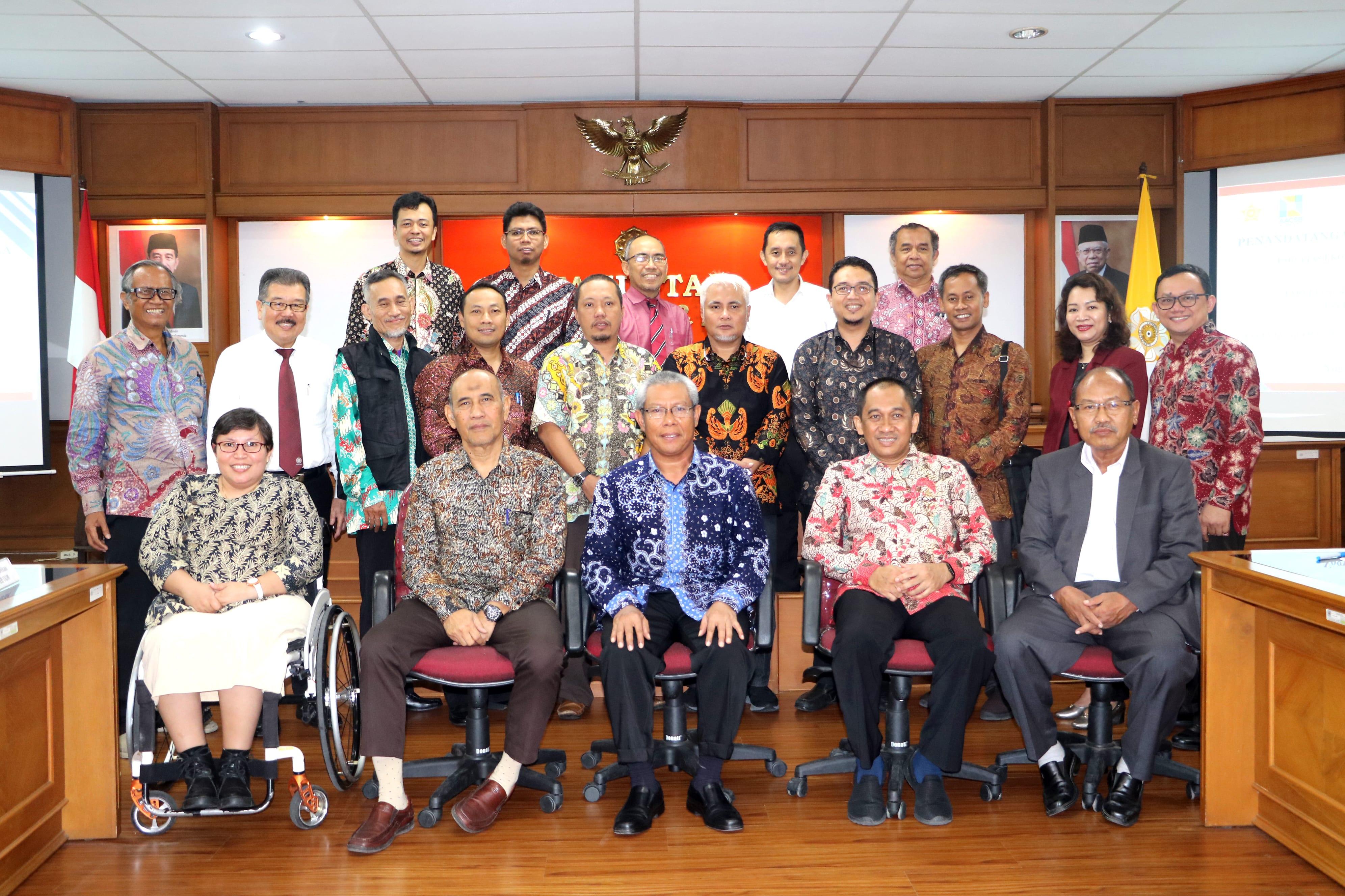 Penandatanganan MOU Kerjasama Antara FEB UGM dengan FEB UMS, FEB UTM dan STIE Dharmaputra Semarang